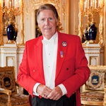 Celebrity toastmaster back to work after double NStride treatment