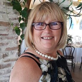 Karen, age 61 <span>Treatment: Total Knee Replacement</span>